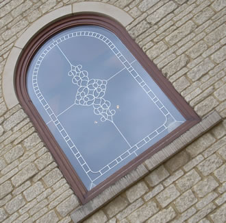 bevelled_glass_feature_window_arch