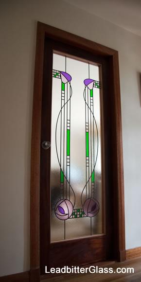 charles_rennie_mackintosh_stained_glass_door