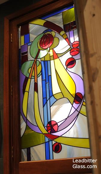 rennie_mackintosh_door_glass